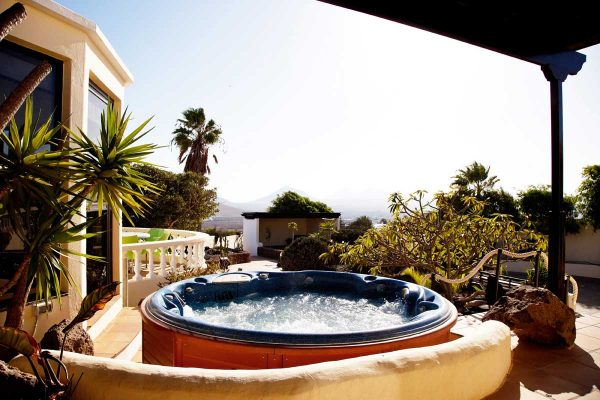 Breathing Space Retreats - Breathguru - Alan Dolan - The villa + Lanzarote